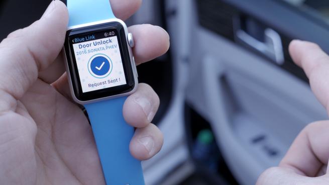 Apple Watch, Hyundai